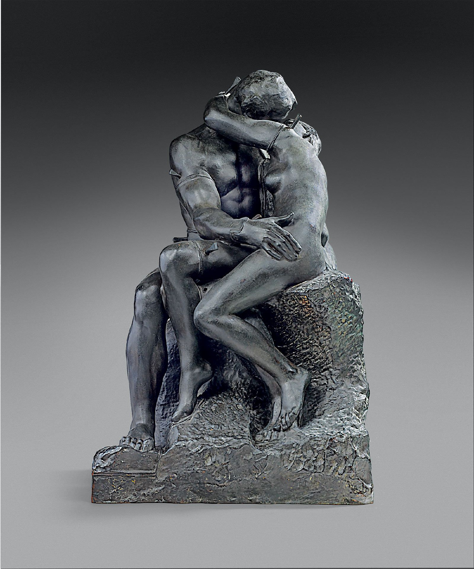 Auguste Rodin, The Kiss, reduction No. 1, master model, 1898, bronze, Barbedienne Foundry, cast 1898, 71.1 x 42.5 x 45 cm. Paris, Musée Rodin. © Musée Rodin (photo Christian Baraja)